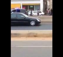 Incroyable ! le véhicule de Macky Sall tombe en panne en pleine circulation sans roue de secours (Vidéo)
