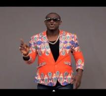 Nouveau clip de Pape Ndiaye Thiou - mbeugel mo nexx. Regardez