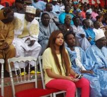 Mounzir Niasse le guichet automatique de Waly Seck en compagnie de sa douce Nadia au stade Demba Diop.