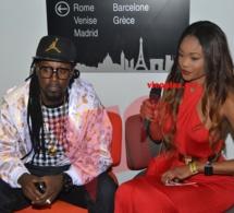 Le chanteur Fafady en mode interview avec Haby Sall l'animatrice Sénégalaise de la Télé Sud.