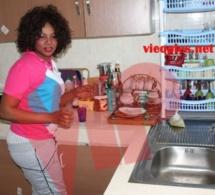 Amina Poté en mode femme au foyer