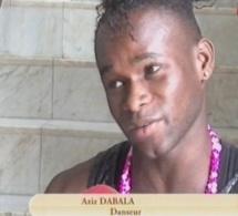 Vidéo-L'habillement et le comportement des danseurs dans Info people de Petit dej Walf tv