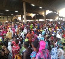 Macky Sall octroie 150 millions aux femmes mareyeuses du Marché central au poisson de Pikine et du PAD