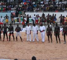 Tournoi de lutte 2015 de la Cedeao : le Commissaire de l'institution, Fatoumata Sow, huée par la foule