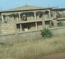 Le château inachevé de Wade à Touba…Il faut au minimum 100 millions pour……