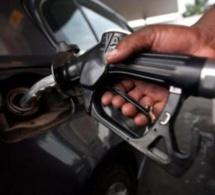 Le super et le gasoil baissent de 40 et 50 francs, repli aussi du gaz butane