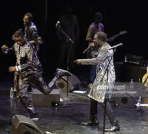 Quand Youssou Ndour se livre à une danse endiablée