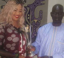Guigui a présenté son trophée au ministre de la Culture