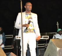 Pape Diouf en studio pour la sortie d'un single explosif sur le combat Modou Lo Gris Bordeaux: Mbadda Doutt en action