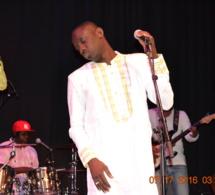 Pape Diouf met le feu à Old Town School Music de Chicago après Baba Maal et Youssou Ndour.