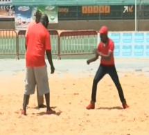 Vidéo: Quand Dj Boubs s'essaie à la lutte. Regardez!