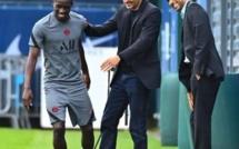 PSG : Idrissa Gana Guèye en toute complicité avec Leonardo et Nasser